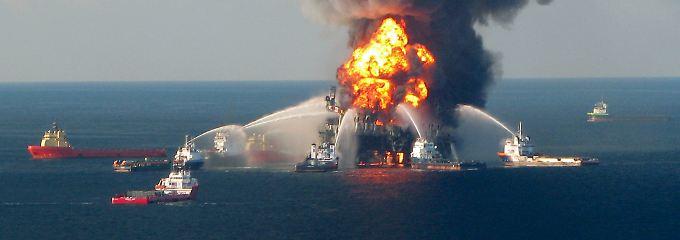 April 2010: Elf Menschen sind tot, die Plattform ist verloren, das Unglück nimmt seinen Lauf.