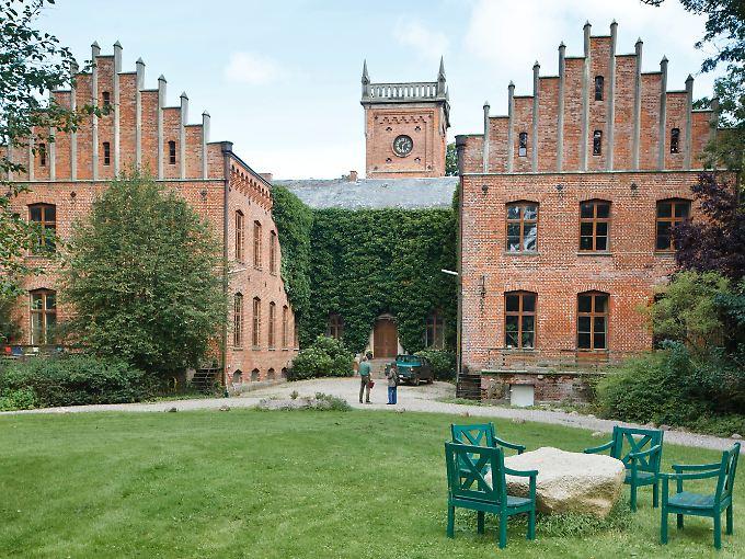 Das Herrenhaus des Gutes Saxtorf in Riseby.