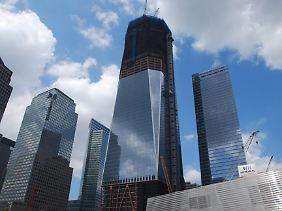 Blick auf die Baustelle. Rechts neben 1 WTC steht das neue 7 WTC.