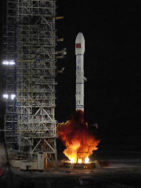 Die Rakete CZ-3C hebt vom Satelliten-Zentrum im chinesischen Xichang ab. (Archivbild)