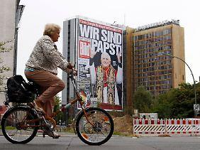 """""""Wir sind Papst"""" - die """"Bild""""-Zeitung hält daran fest."""