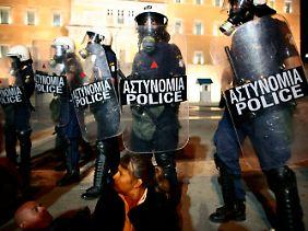 Es bleibt unruhig in Athen.