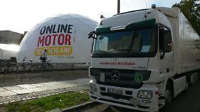 Der OMD-Truck und das mobile Kuppelzelt machten an zehn Standorten in ganz Deutschland Station.