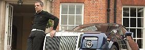 Der böse Blick gehört zur Rolle: Rowan Atkinson als Johnny English.