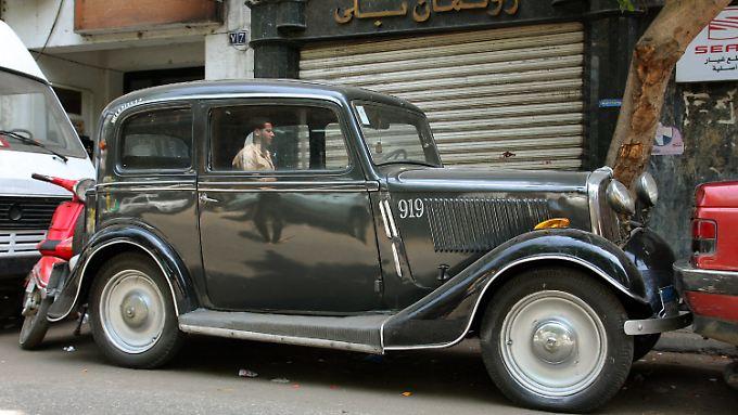 relikte einer glanzzeit kairo liebt seine alten autos n. Black Bedroom Furniture Sets. Home Design Ideas