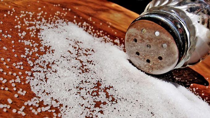 Bei manchem Essen hat man das Gefühl, dass dem Koch beim Würzen der Salzstreuer aus der Hand gefallen ist.