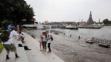 """""""Wie ein Tsunami in Zeitlupe"""": Thailand im Griff der Fluten"""