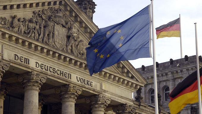 Nicht am Volk vorbei, beziehungsweise an dessen Vertretern: Der ganz Bundestag soll mitreden beim EFSF.