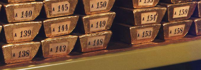 Es liegt seit Jahrzehnten im Keller: Blick in den Tresorraum mit Goldreserven der Bundesbank (Archivbild).