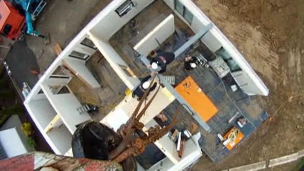 n tv ratgeber wie ein fertighaus entsteht n. Black Bedroom Furniture Sets. Home Design Ideas