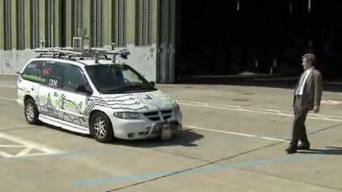 Wie von Geisterhand: Selbstfahrende Autos im Praxistest