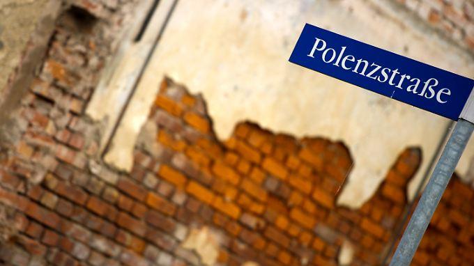 Generalbundesanwalt verspricht Aufklärung: Beate Zschäpe schweigt weiter