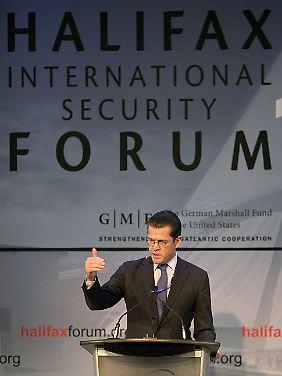 Guttenberg bei einem Vortrag in Halifax im Jahr 2009.