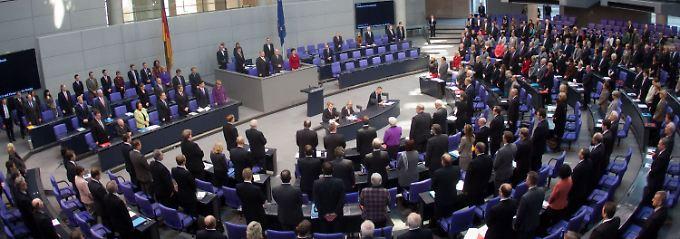 Der Bundestag ehrt die Opfer rechter Gewalt.