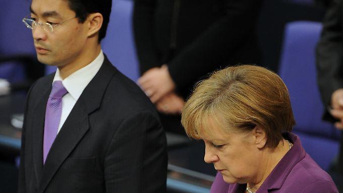 """Zeichen setzen gegen Rechtsextremismus: Bundestag ist """"zutiefst beschämt"""""""