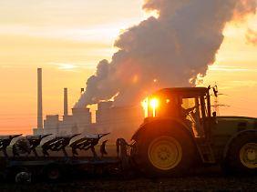 In Deutschland sind es vor allem die Kraftwerke, die die Verschmutzungskosten in die Höhe treiben.