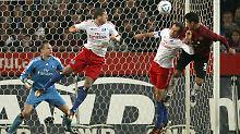 Der Ball war meistens hart umkämpft im Duell zwischen Hannover und Hamburg