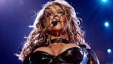 Vom Schulmädchen zur Femme Fatale: Die Aufs und Abs der Britney Spears