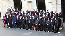 Die Finanzminister und Zentralbankchefs der G20 posieren für ein Foto.