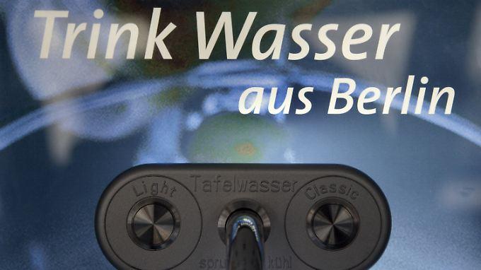 Die Berliner leiden seit Jahren unter hohen Wasserpreisen.