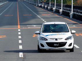Auf dem firmeneigenen Testgelände wurde das Elektro-Auto der internationalen Presse vorgeführt.