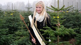 Die erste Deutsche Weihnachtsbaumkönigin hat Anfang November die Saison eröffnet.
