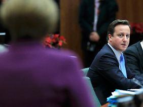 Am Ende saß Cameron in Brüssel allein da. Daheim sind die Euroskeptiker begeistert.