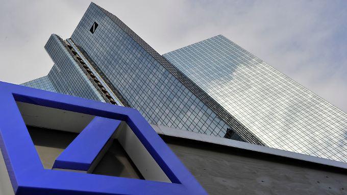 Geldhäuser herabgestuft: Fitch senkt Daumen über Deutscher Bank
