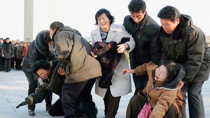 Staatstrauer in Nordkorea: Diktator Kim Jong Il ist tot