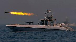 Säbelrasseln an der Straße von Hormus: Iran startet großes Marinemanöver