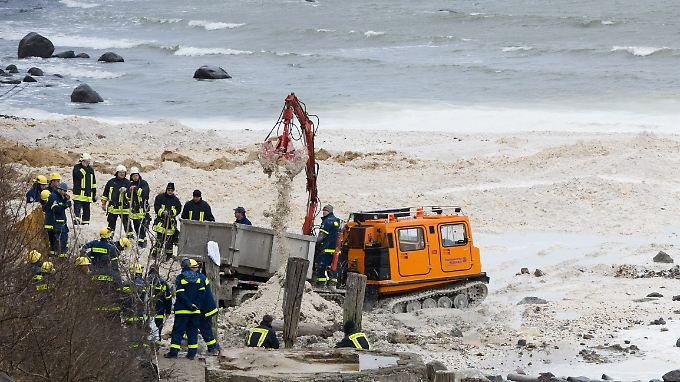 Verschüttetes Mädchen auf Rügen: Helfer geben Suche auf