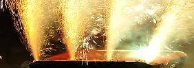Böller, Raketen und Flammen: Wer zahlt, wenn es kracht?