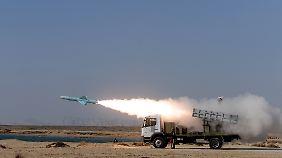 Abschuss einer Nasr-Rakete.