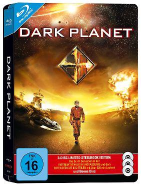 """""""Dark Planet"""" gibt es unter dem Titel """"Prisoners of Power"""" als 120-minütige Kinofassung und als hier abgebildete 3-Disc-Special-Edition."""