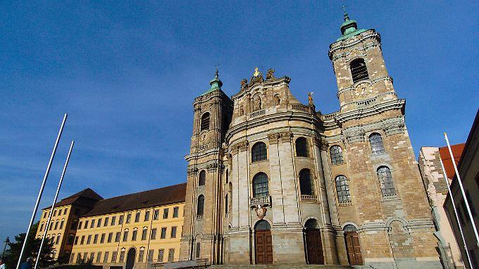Außenansicht der Basilika Weingarten mit der Klosterabtei.