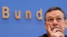 Der Wehrbeauftragte des Bundestages, Hellmut Koenigshaus (FDP) stellt große Defizite fest.