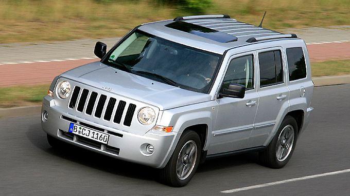 Auf der Straße ist der kleine Jeep ein unkompliziertes Reiseauto mit wirtschaftlichem Kraftstoffkonsum.