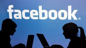 Facebook geht an die Börse, Aigner verlangt mehr Datenschutzbemühungen.