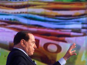 Berlusconi kann in seinem Land sehr weit gehen.