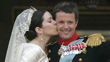 Die Australierin, die seit 2004 mit dem Thronfolger verheiratet ist, vermisst ihre ferne Heimat zwar manchmal, hat sich aber ein Leben in Dänemark aufgebaut und erfüllt ihre Rolle perfekt.
