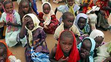 Heimatlose Kinder im Kalma-Camp im Süden Darfurs. (Archivbild)