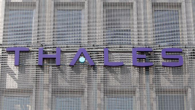 Ein tragischer Selbstmord belastet Thales.
