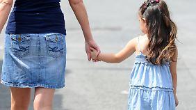 Bislang kann die Mutter dem Vater das Sorgerecht leicht verweigern.