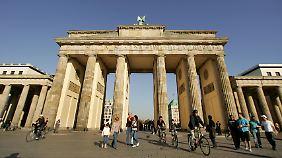 Wer heute durchs Brandenburger Tor schlendert, kann sich kaum vorstellen, ...