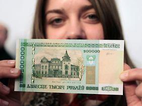 Weißrussische Geldpolitik: Nullen beheben das Platzproblem.
