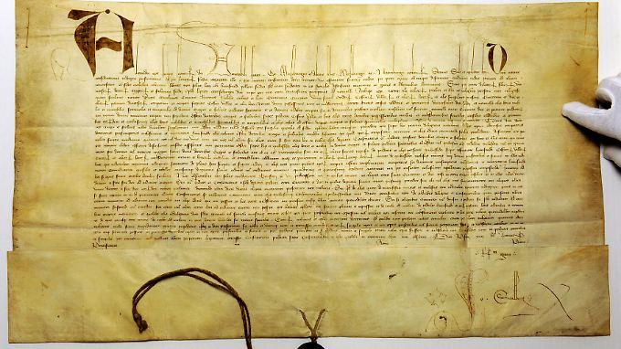 Gründungsurkunde von Papst Alexander V. aus dem Jahre 1409.