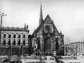 Die spätgotische Paulinerkirche, auch Universitätskirche genannt, am Leipziger Augustusplatz (Archivbild von 1967)