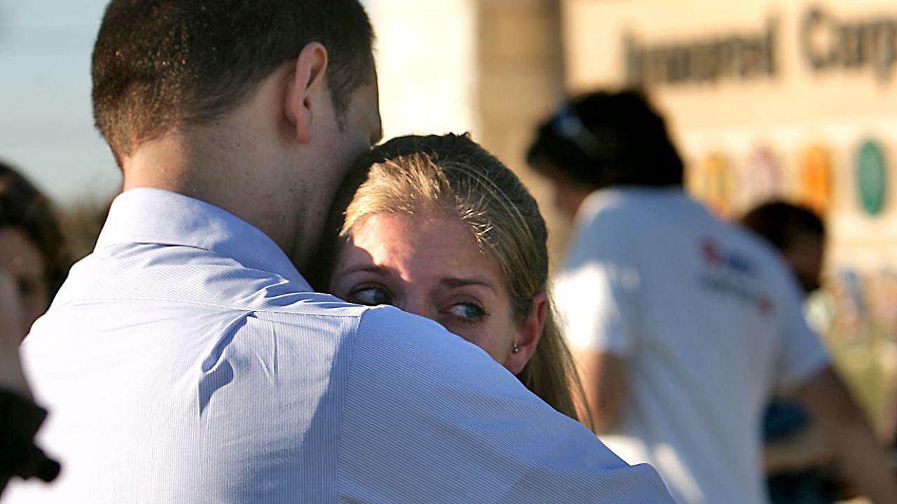 Helfer wird zum Täter - 13 Tote: Amoklauf setzt USA unter Schock - n ...