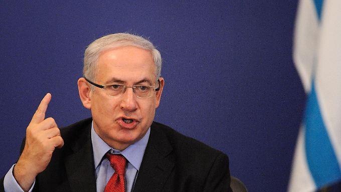 Erhobener Zeigefinger in Richtung Menschenrechtsrat. Netanjahu sieht Israel in dem Gremium einer anti-isralischen Mehrheit ausgesetzt.