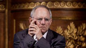 Streit um Eine-Billion-Euro-Rettungsschirm: Euro-Finanzminister ringen weiter